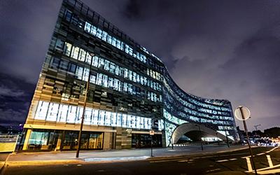 Neuer Hauptsitz der Le Monde baut auf Stahl von Dillinger
